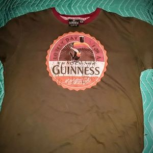 Vintage looking rare guinness T shirt size xl
